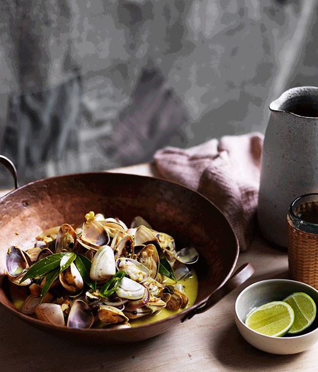 "[**O Tama Carey's pipis with bay leaves and gentle curry sauce**](https://www.gourmettraveller.com.au/recipes/chefs-recipes/o-tama-careys-pipis-with-bay-leaves-and-gentle-curry-sauce-8589|target=""_blank"")"