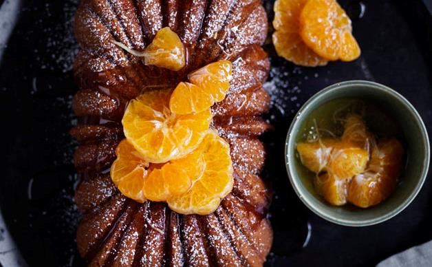 Manadrain and ginger syrup cake