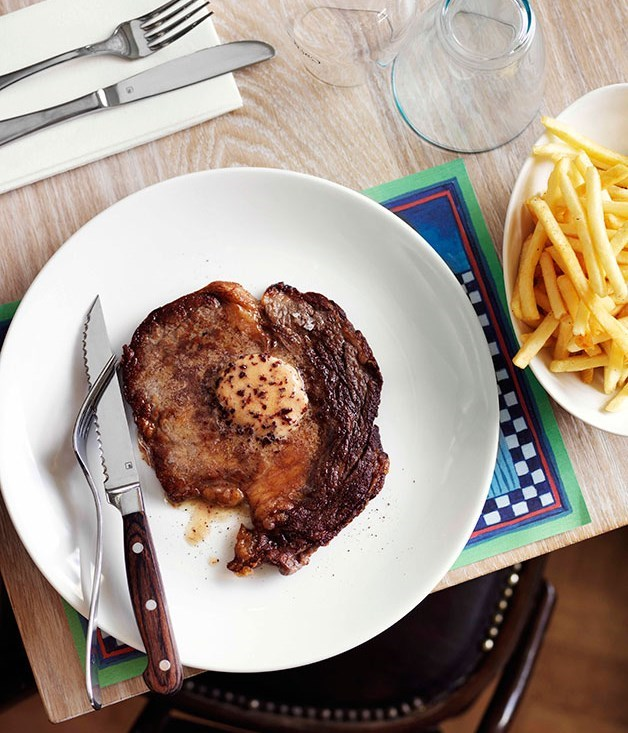 **Minute steaks with red wine butter**