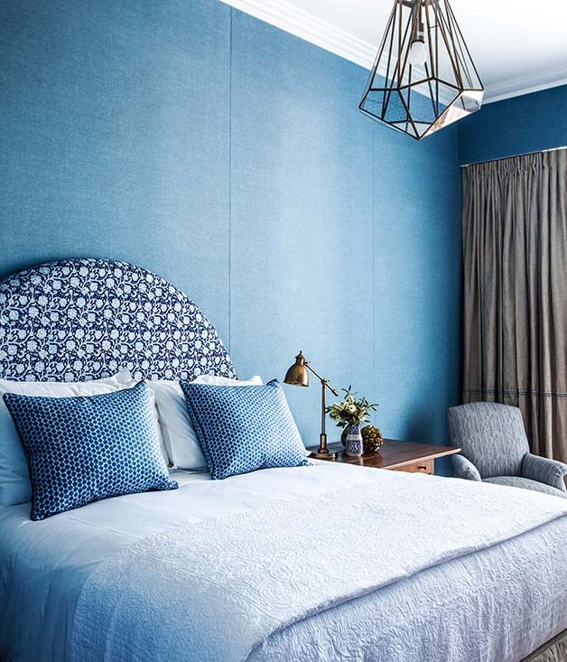 **Superior Room, Halcyon House** Textured wallpaper and layered blue linens give rooms a luxurious feel.