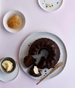 Wattleseed and honey cake