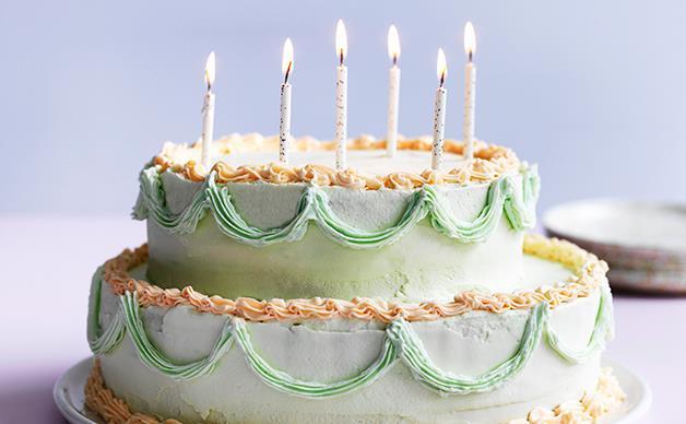 Fancy pistachio, mascarpone and strawberry cake
