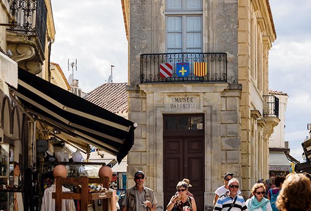 Exploring Arles and the Carmague