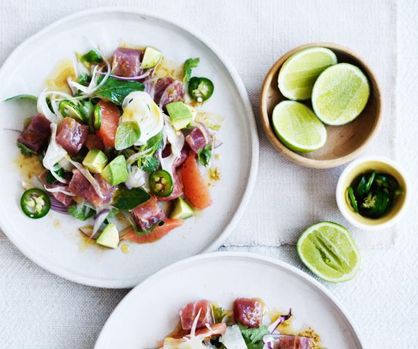 Mexican-style tuna salad with grapefruit, avocado and fennel