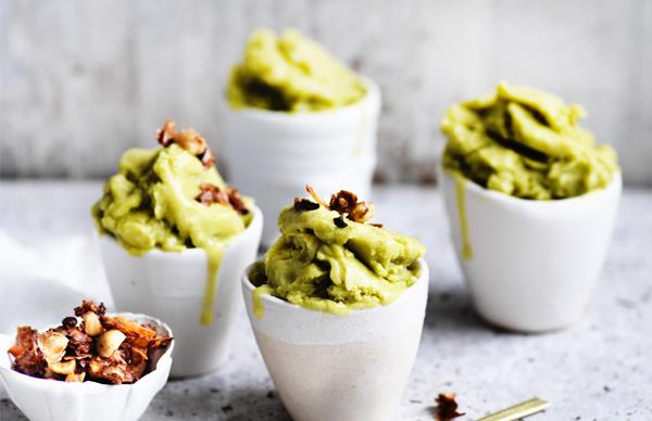 Avocado ice-cream with coconut-cacao crunch