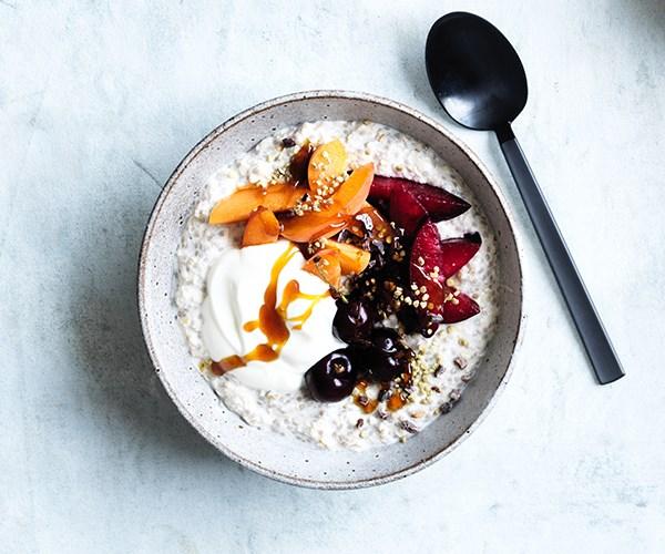 Chia-oat bircher bowl