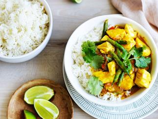 Snapper curry with green beans and coriander