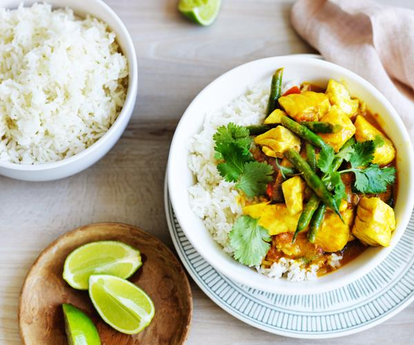 "**[Snapper curry with green beans and coriander](https://www.gourmettraveller.com.au/recipes/fast-recipes/snapper-curry-with-green-beans-and-coriander-15746|target=""_blank"")**"