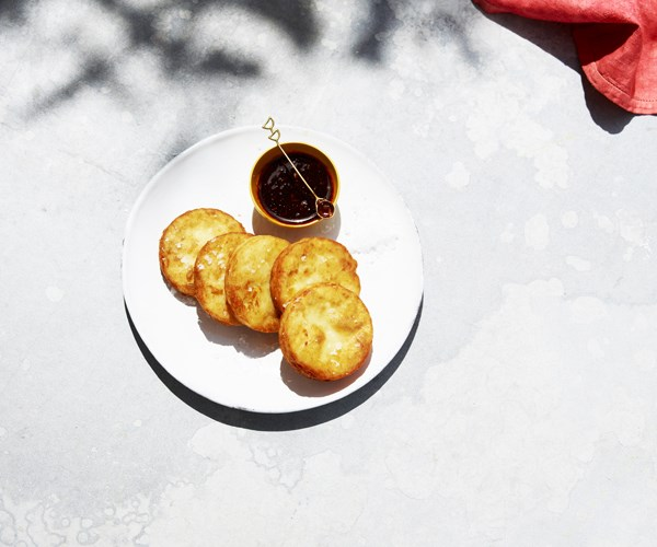 "[Hash browns with chilli sauce](https://www.gourmettraveller.com.au/recipes/browse-all/hash-browns-with-chilli-sauce-15765|target=""_blank"")"