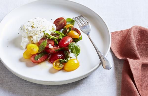 Goat's curd and tomato