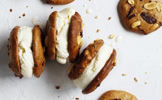 Choc-chip peanut butter cookies
