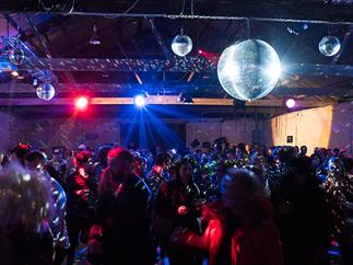 The Fresh Wine Disco returns to Tasting Australia for 2018. We asked some experienced disco-goers for their party advice.