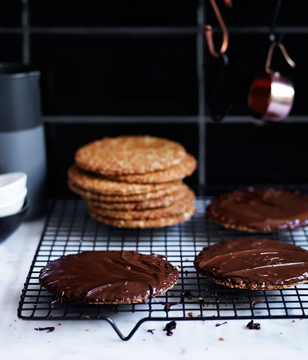 Chocolate hob-nob biscuit recipe