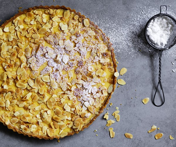 Lemon-buttermilk tart