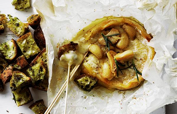 Baked camembert with confit garlic and white wine