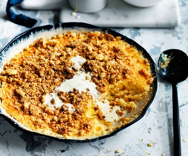 Lemon curd crumble
