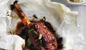 Lamb shanks with olives and red wine