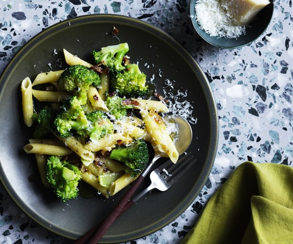 """[**Penne with broccoli and pancetta pangrattato**](https://www.gourmettraveller.com.au/recipes/fast-recipes/penne-with-broccoli-and-pancetta-pangrattato-16479 target=""""_blank"""")"""