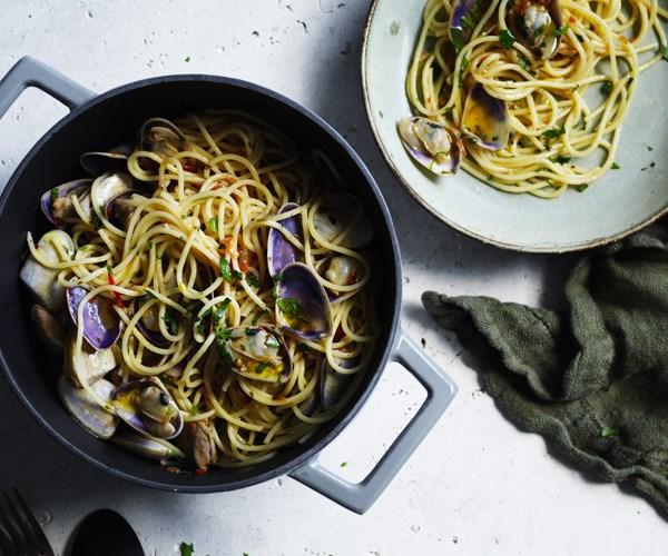 "**[Spaghettini with pipis](https://www.gourmettraveller.com.au/recipes/fast-recipes/spaghettini-with-pipis-16481|target=""_blank"")**"