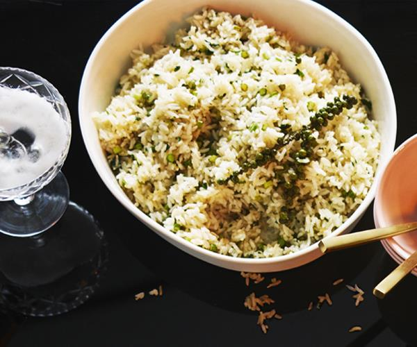 Fried rice with green peppercorns and garlic shoots