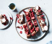 Rocky road with almonds, goji berries and strawberries