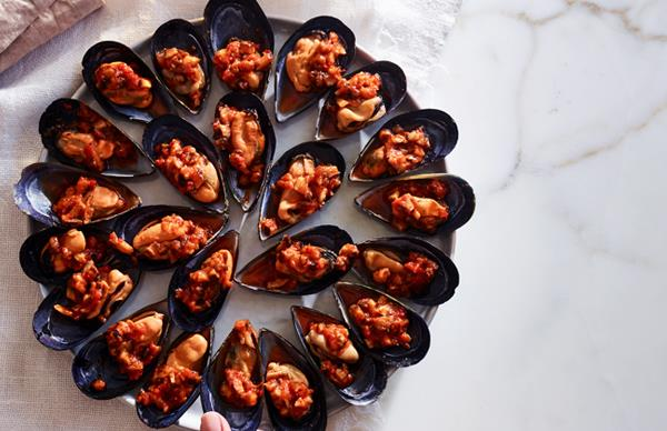 Mussels with chilli and shiitake