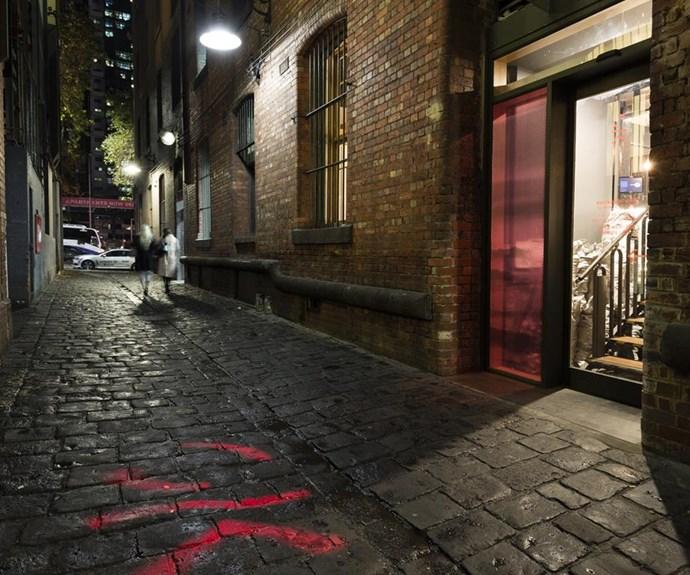 Restaurant Shik's laneway entrance