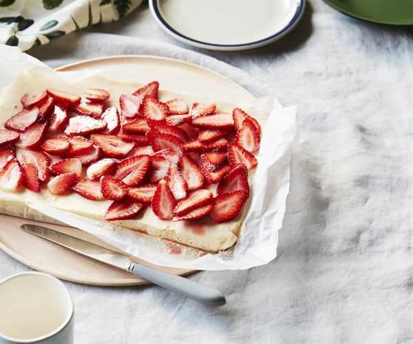 "**[Strawberry crème fraiche cheesecake](https://www.gourmettraveller.com.au/recipes/browse-all/strawberry-creme-fraiche-cheesecake-16733|target=""_blank"")**"