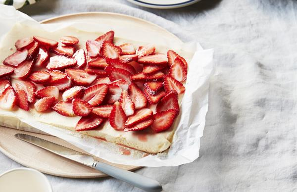 Strawberry crème fraiche cheesecake