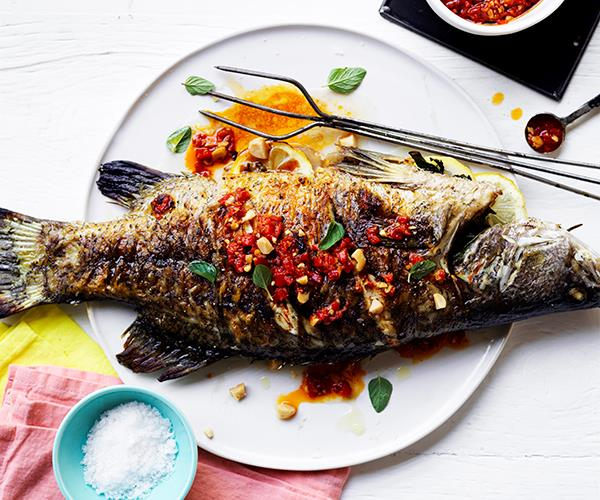 "**[Barbecued barramundi with macadamia romesco](https://www.gourmettraveller.com.au/recipes/healthy-recipes/barbecued-barramundi-with-macadamia-romesco-15827|target=""_blank"")**"