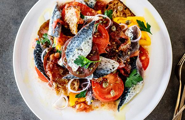 Cured mackerel with tomatoes and sourdough bread