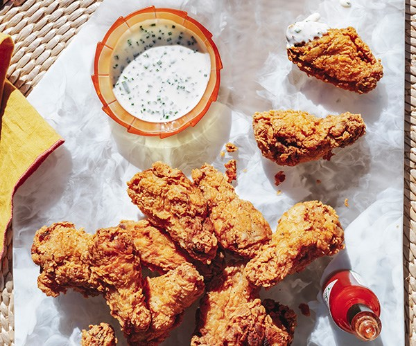 Fried chicken wings with blue-cheese sauce