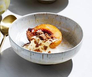 Peaches with amaretto, mascarpone and biscotti