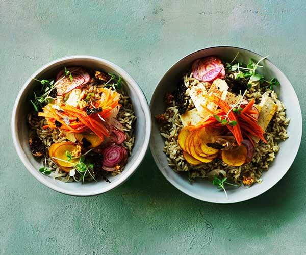 Tofu poke bowl with pickled carrot