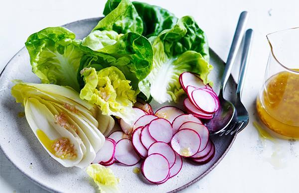 A simple vinaigrette for a salad