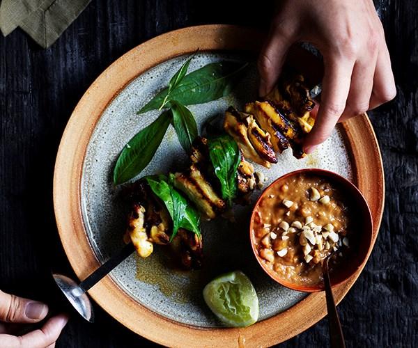 "**[Fast chicken satay](https://www.gourmettraveller.com.au/recipes/fast-recipes/quick-chicken-satay-17029|target=""_blank"")**"