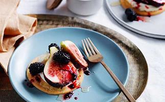 Figs, blackberry and mascarpone sablés