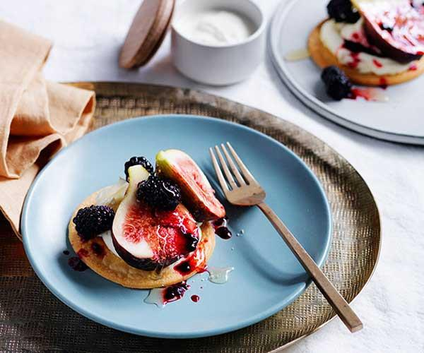 "[**Figs, blackberry and mascarpone sablés**](https://www.gourmettraveller.com.au/recipes/fast-recipes/figs-blackberry-and-mascarpone-sables-13693|target=""_blank"")"