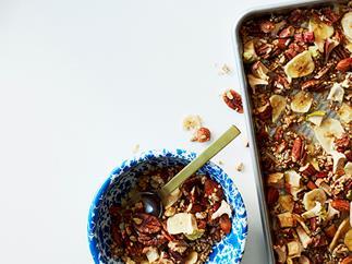 Apple and pecan quinoa granola
