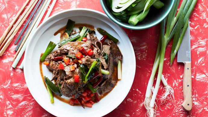 Stir-fried beef with dried chillies
