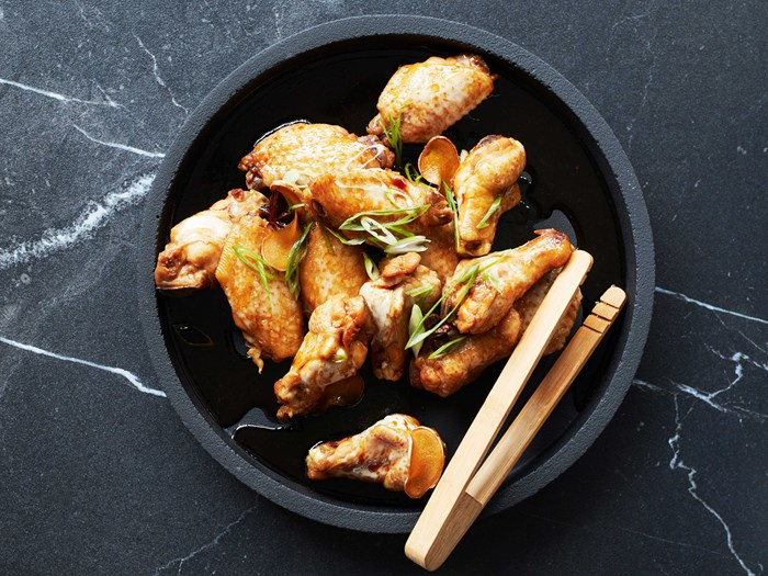 Sticky soy chicken wings