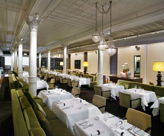 The dining room at Est
