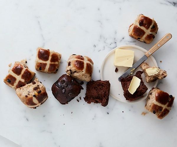 "**[Classic hot cross buns](https://www.gourmettraveller.com.au/recipes/browse-all/classic-hot-cross-buns-15969 target=""_blank"")**"