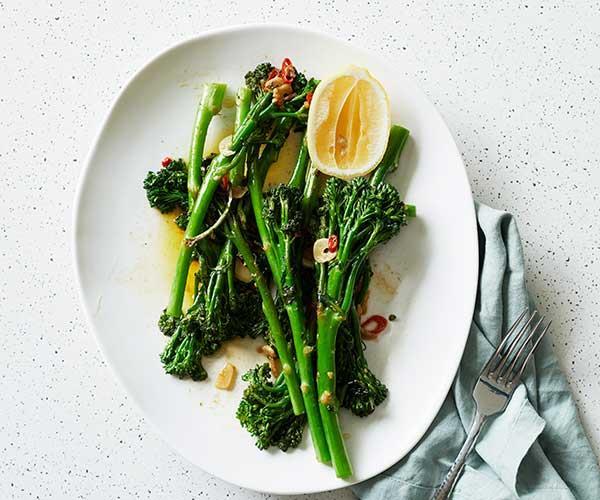 "**[Broccolini with chilli, garlic and lemon](https://www.gourmettraveller.com.au/recipes/fast-recipes/broccolini-chilli-garlic-lemon-17252|target=""_blank""|rel=""nofollow"")**"