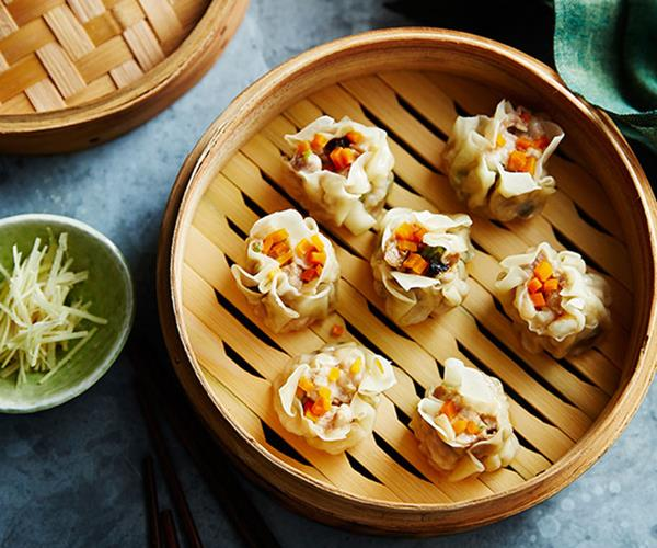 "**[Tony Tan's guide to making siu mai](https://www.gourmettraveller.com.au/recipes/browse-all/siu-mai-13998|target=""_blank"")**"