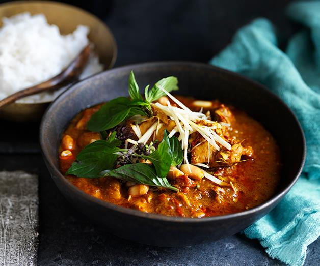 "**[Chicken curry recipes](https://www.gourmettraveller.com.au/recipes/recipe-collections/chicken-curry-recipes-17306|target=""_blank"")**"