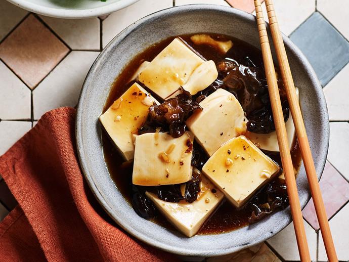 "**[Black pepper tofu](https://www.gourmettraveller.com.au/recipes/fast-recipes/black-pepper-tofu-17410|target=""_blank"")**"