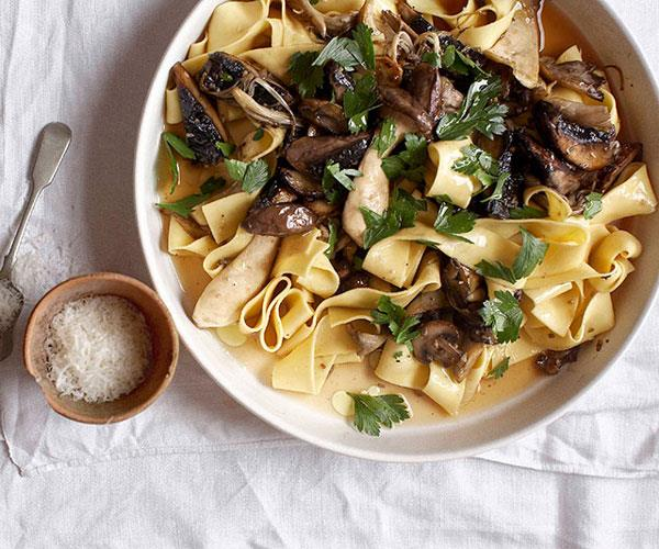 "**[Pappardelle with mushroom ragù (pappardelle con misto di funghi)](https://www.gourmettraveller.com.au/recipes/fast-recipes/pappardelle-with-mushroom-ragu-pappardelle-con-misto-di-funghi-13109|target=""_blank"")**"