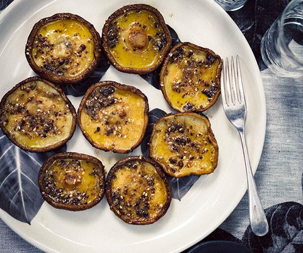 "**[Peter Gilmore's grilled shiitake mushrooms with umami butter](https://www.gourmettraveller.com.au/recipes/chefs-recipes/peter-gilmores-grilled-shiitake-mushrooms-with-umami-butter-8438|target=""_blank"")**"