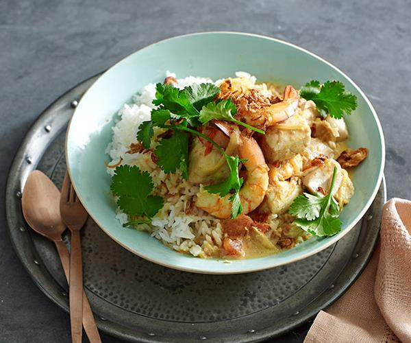 "**[Goan seafood curry](https://www.gourmettraveller.com.au/recipes/fast-recipes/goan-seafood-curry-13419|target=""_blank"")**"